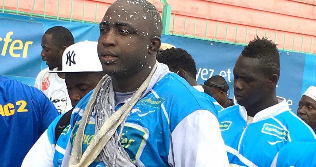 Yekini adversaire de lac de guiers 2 j 39 ai horreur de for Interieur sport lutte senegalaise