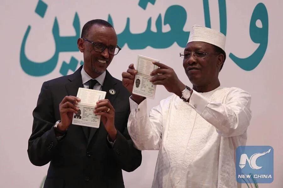 Passeport Africain - Deby et Kagamé