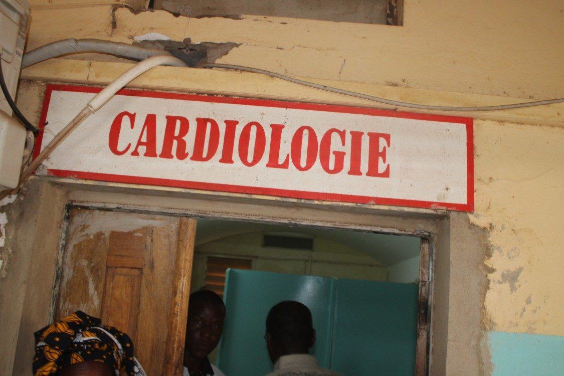 Cardiologue à l'hôpital de Ourossogui