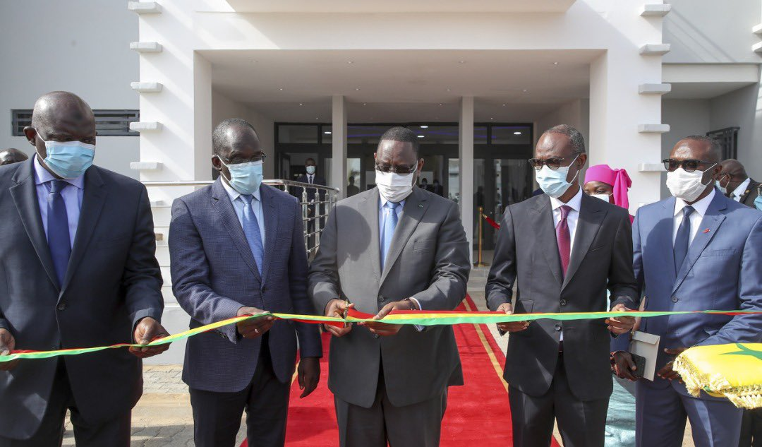 Macky Sall inaugure Centre de traitement des maladies graves