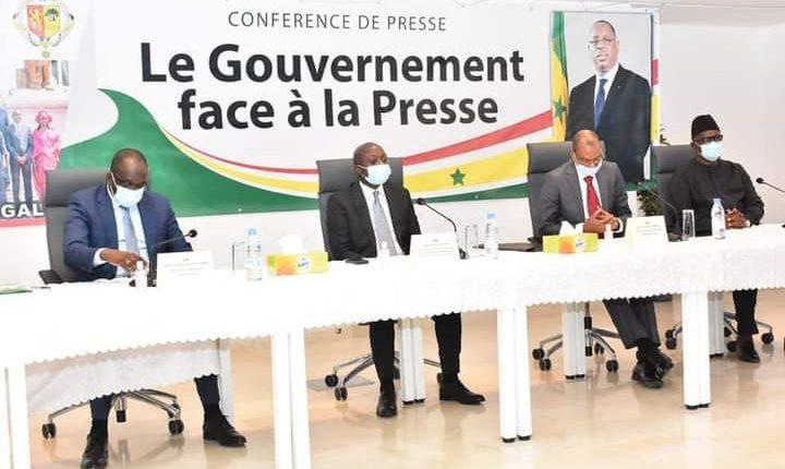 Le gouvernement face à la presse