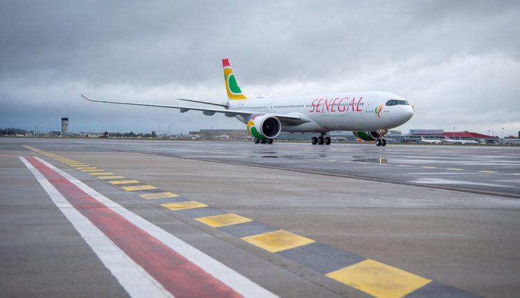 Avion Air Sénégal Tarmac AIBD