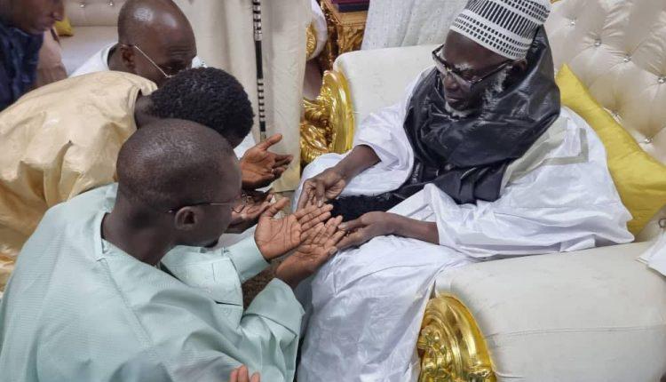 Ousmane Sonko reçu par le Khalife Général des mourides (1)