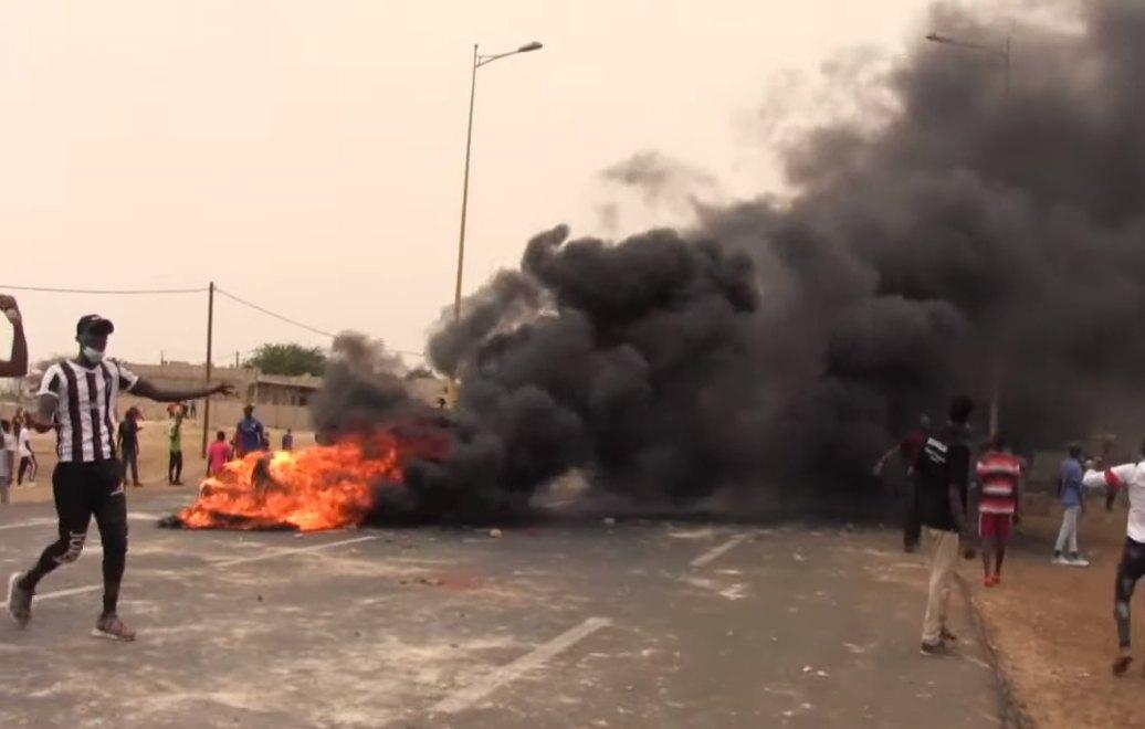 Affrontements entre des étudiants et forces de l'ordre chez Macky Sall à Fatick