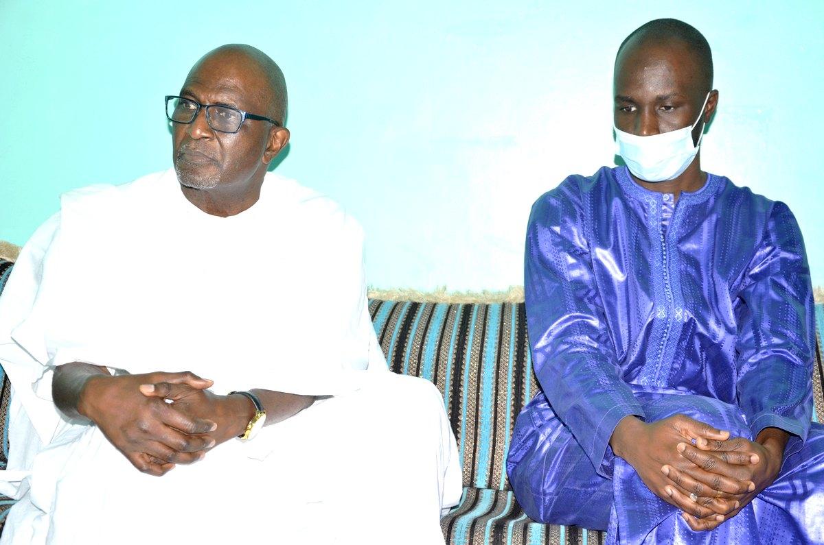 Amadou Ba et Babacar Ngom de Sédima présentent leurs condoléances à Dame Dieng de Leral (2)