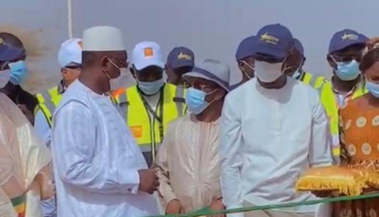 Macky Sall inaugure le centre de santé de Hamady Hounaré et félicite le maire Amadou Samba Kane (1)