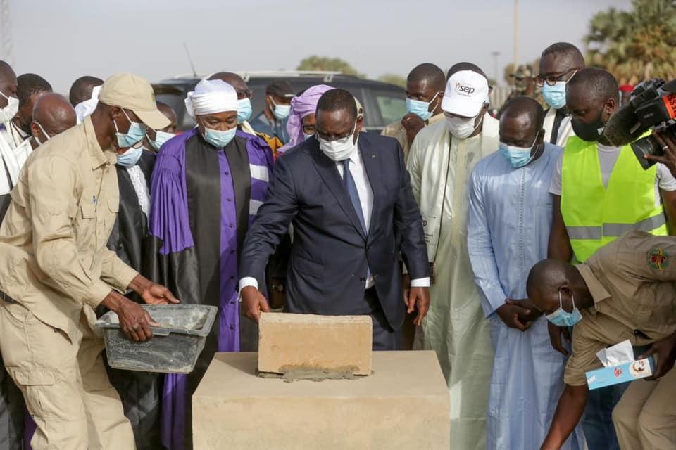 Macky Sall pose la première pierre de l'ISEP de MATAM