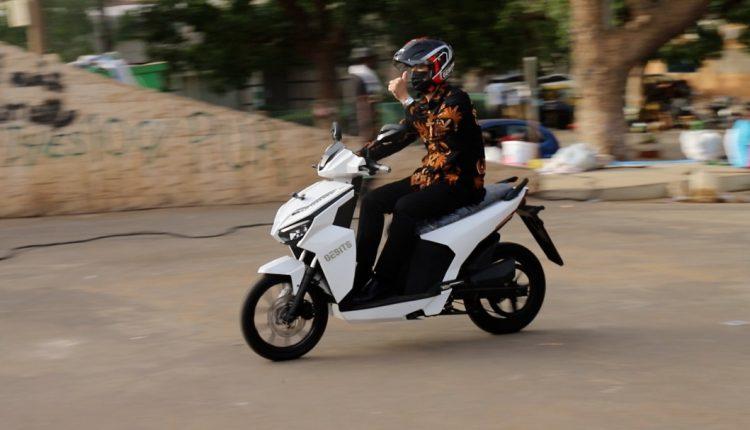 Motos électriques de fabrication indonésienne au Sénégal par la République d'Indonésie