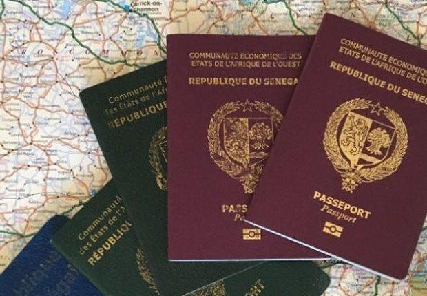 Confection de faux passeports
