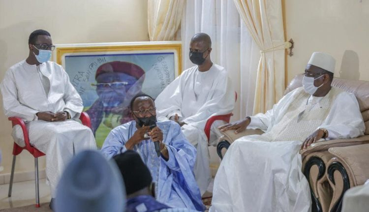 Présentation de condoléances - Amadou Ba et Macky Sall à Yoff Lanènes et Thiénaba