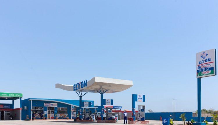 Des bons de carburant de l'état indésirables dans les Stations Elton