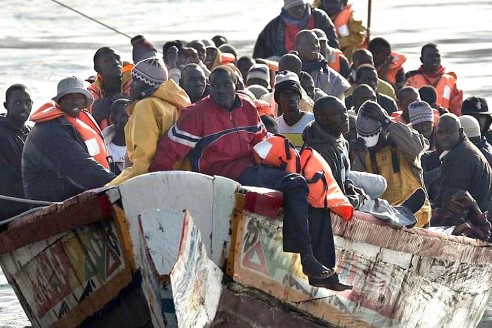 pirogue - émigration clandestine